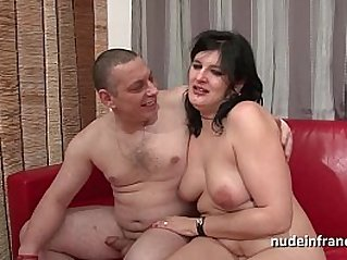 Anal casting of an Amateur french couple fucking with a chubby squirt slut hard plugged